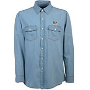 Antigua Men's Cincinnati Bengals Chambray Button-Up Shirt