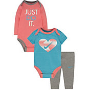 Nike Newborn Girls' Bodysuits and Leggings Three-Piece Set