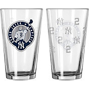 Boelter New York Yankees Derek Jeter Jersey Retirement 16oz. Pint Glass