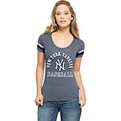 '47 Women's New York Yankees Fantasy Navy Scoop Neck T-Shirt