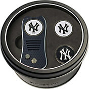 Team Golf New York Yankees Switchfix Divot Tool and Ball Markers Set